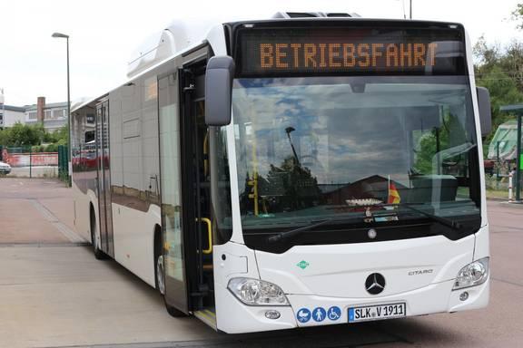 KVG Kreisverkehrsgesellschaft Salzlandkreis Bus groß