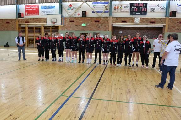 (Foto: Ehrung der 1. Frauenmannschaft SG Lok Schönebeck - Abteilung Handball)