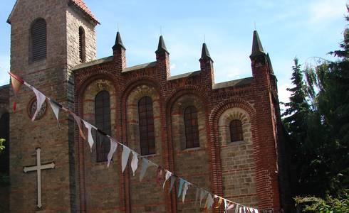 Burghof Kirche ©Stadt Schönebeck (Elbe)