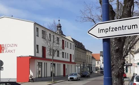 InkedImpfstationSchild LI ©Stadt Schönebeck